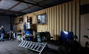 מעבדת הסמים שנתפסה הלילה (צילום: דוברות המשטרה, חדשות)