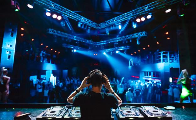 מועדון אילוסטרציה (צילום: Shutterstock)