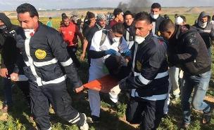 פצוע בצעדת השיבה בגבול הרצועה, ארכיון  (צילום: חדשות)