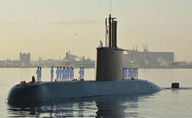הצוללות המצריות החדשות מגיעות לנמל במצריים (צילום: חדשות)