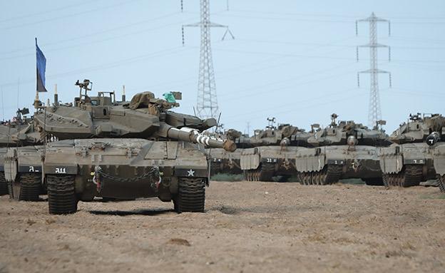 """טנקים של צה""""ל. ארכיון (צילום: פלאש 90/ יוסי זמיר)"""