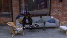 """דודו יושב עם עצמו (צילום: מתוך """"2025"""", שידורי קשת)"""