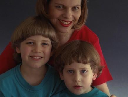 שרה והילדים 1999 (צילום: סער יעקב לעמ)