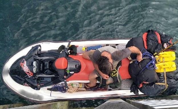 המבוקש נתפס על גבי אופנוע ים (צילום: משמר הגבול באוסטרליה, חדשות)