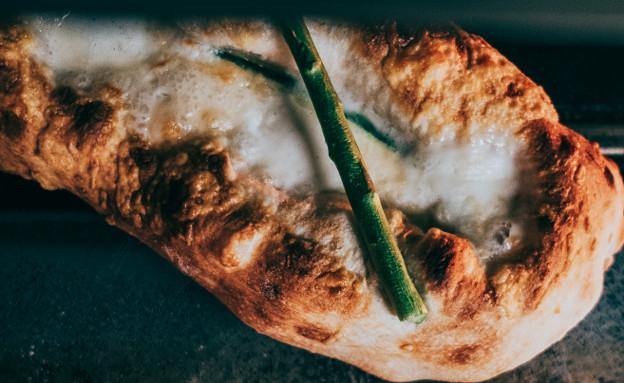 פוקצ'ה גבינה ואספרגוס מטרלו (צילום: ידין חסון, יחסי ציבור)