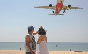 סלפי בתאילנד (צילום: אינסטגרם\Mai khao beach หาดไม้ขาว)