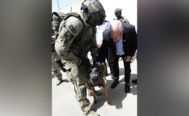 """נשיא המדינה ריבלין בבית סוהר עופר (צילום: מארק ניימן / לע""""מ, חדשות)"""