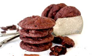 עוגיות שוקולד שוקולד כשרות לפסח (צילום: אסתי רותם, אוכל טוב)