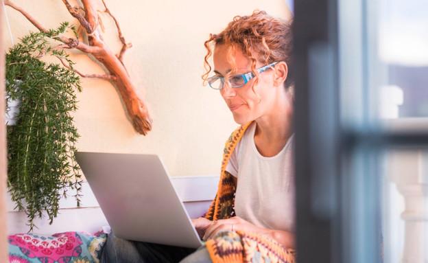 כל מה שרציתם לדעת על עבודה כתסריטאים (צילום: Shutterstock   By simona pilolla 2)