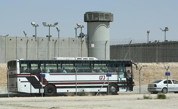 אסיר ביטחוני ניסה לדקור, כלא קציעות (צילום: משה שי / פלאש 90, חדשות)