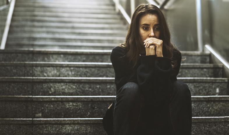 אישה לחוצה (צילום:  Rawpixel.com, shutterstock)