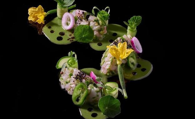 ווסט סייד , קרפצ׳יו כבד אווז, תותים, שקדים קלויים בכמון, מייפל (צילום: אנטולי מיכאלו)
