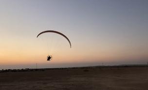 .מציל חיים - עם מנוע ומצנח בלבד (צילום: החדשות)