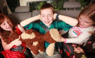 ילדים רבים באוטו (צילום: Shutterstock)