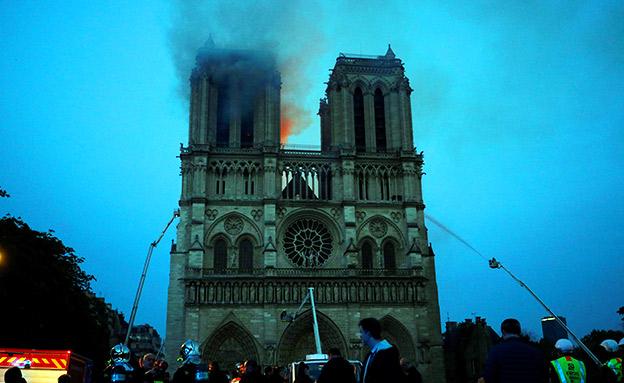 נזק עצום למבנה (צילום: רויטרס, חדשות)