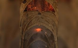 כך נראה ההרס בתוך הקתדרלה (צילום: רויטרס, חדשות)