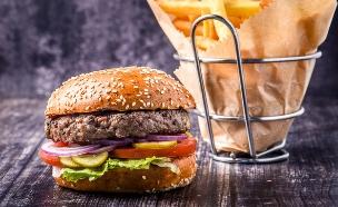 המבורגר כשר לפסח ב-BBB (צילום: גליה אבירם, יחסי ציבור)