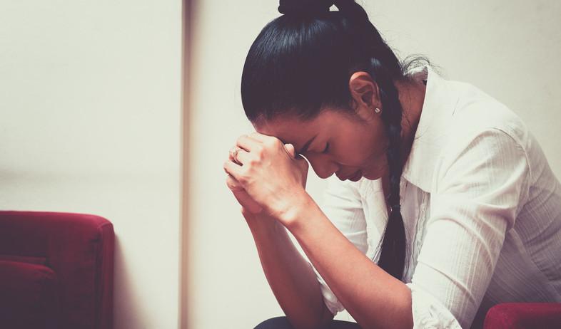 אישה עצובה  (צילום:  Manop_Phimsit, shutterstock)