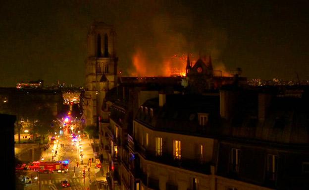 נמשכים המאמצים בכיבוי השריפה (צילום: AP, חדשות)