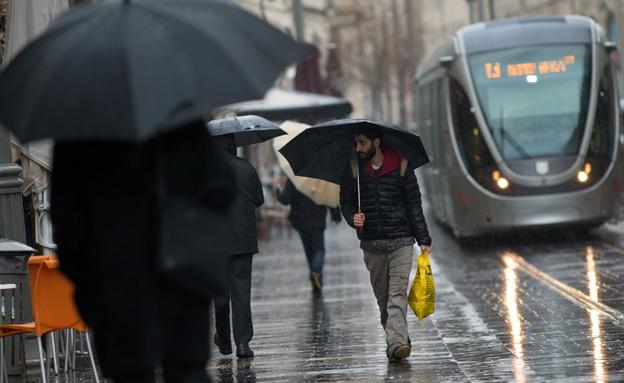 התחזית לחג: חורפי וגשום (צילום: יונתן סינדל / פלאש 90, חדשות)