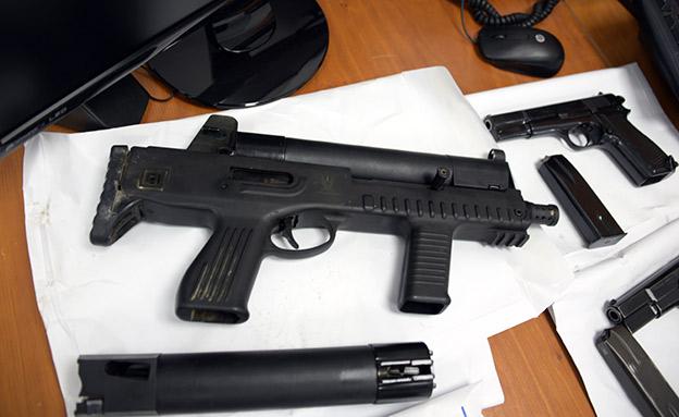 הברחת נשק מירדן לישראל (צילום: דוברות המשטרה, חדשות)