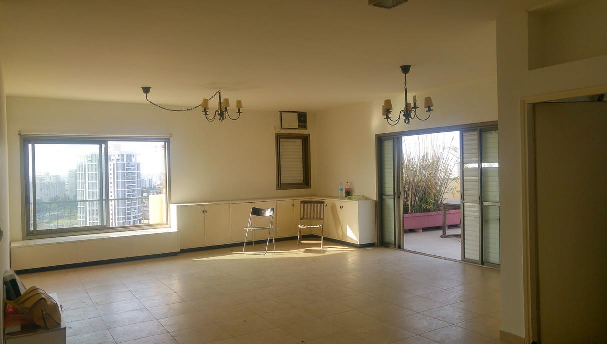 דירה במרכז, עיצוב אסתי נחמיאס, לפני שיפוץ - 2