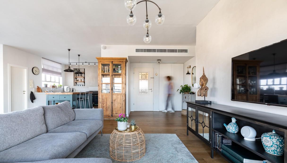 דירה במרכז, עיצוב אסתי נחמיאס, סלון - 1