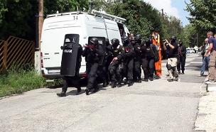 """מאחורי הקלעים של מערך האבטחה של השב""""כ ומשרד החוץ (צילום: החדשות)"""
