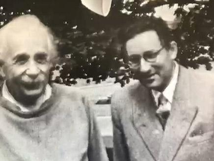 הפיזיקאי היהודי בצילומים אישיים