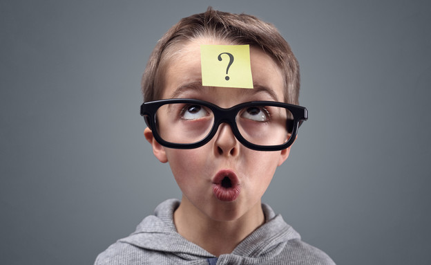ילד עם סימן שאלה (צילום: kateafter | Shutterstock.com )