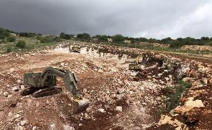 עבודות בניית המכשול התת קרקעי בצפון הארץ (צילום: חדשות)