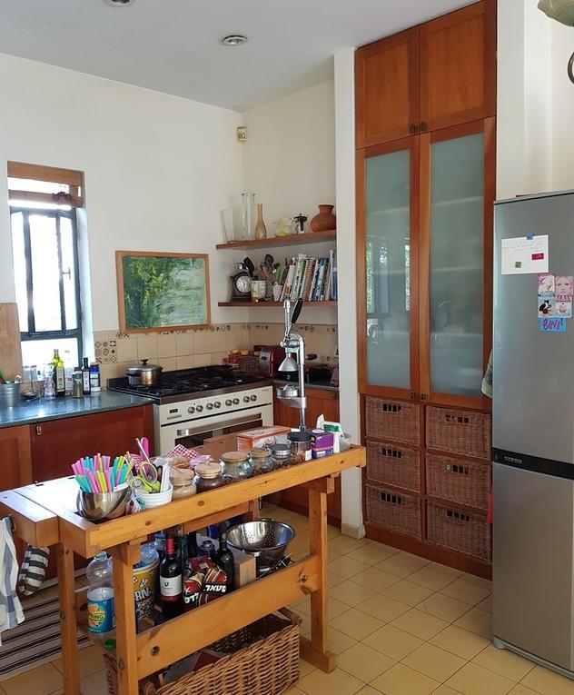 בית בשרון, עיצוב תמי שלוש, מטבח לפני שיפוץ