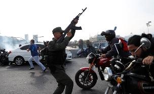 עימותים ברחובות ונצואלה (צילום: רויטרס, חדשות)