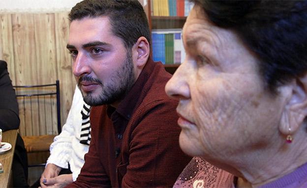 אנטון ואחותה של סבתו (צילום: החדשות)