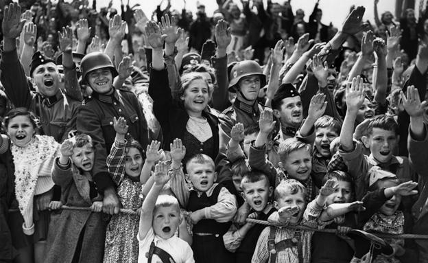 """""""הגרמנים צריכים לזכור את פשעי העבר"""" (צילום: AP, חדשות)"""