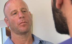 ריאיון עם חייל שביתו נפגע (צילום: החדשות)