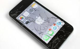 אייפון שבור (צילום: DetskymodelingDotCz)