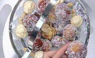 יויו – עוגיות אלג'יראיות (תמונת AVI: עדי עובדיה)