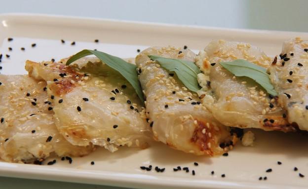 בורקס מדפי אורז (צילום: מיכל הלפרין, אוכל טוב)