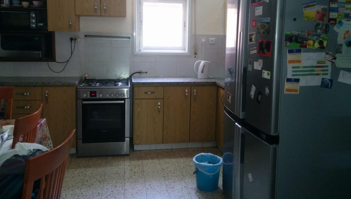מטבח בקיבוץ, עיצוב שושו פנים של בתים, לפני שיפוץ