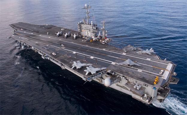 נושאת מטוסים אמריקנית  (צילום: רויטרס, חדשות)