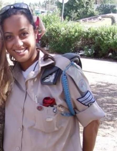 דקלה דאיטי בשירות הצבאי (צילום: אלון חן)