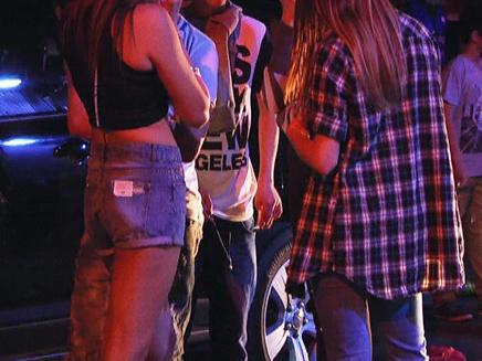 בני נוער שותים אלכוהול (ארכיון)
