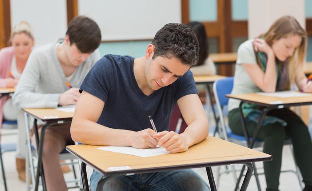 כל הזכויות שמגיעות לסטודנטים בתקופת מבחנים (אילוסטרציה: By Dafna A.meron, shutterstock)