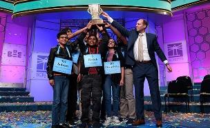 רגעי הניצחון ההיסטוריים בתחרות האיות (צילום: AP, חדשות)