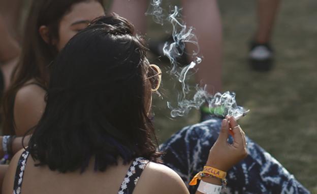 בני נוער מעשנים (אילוסטרציה) (צילום: רויטרס, חדשות)