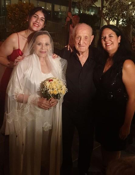 גילה אלמגור ויעקב אגמון מתחתנים