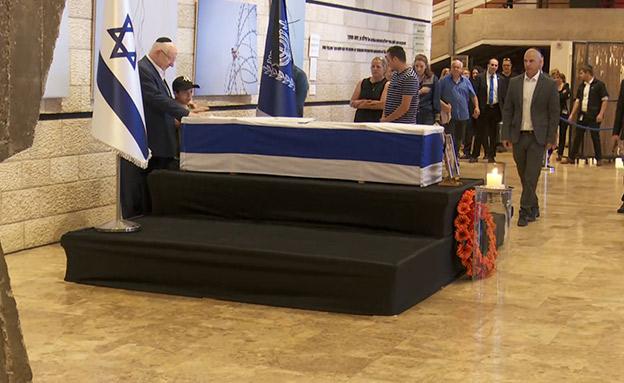 כבוד אחרון של הנשיא לרעייתו, היום (צילום: החדשות)