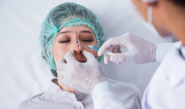 ניתוח אף  (צילום: Elnur, shutterstock)