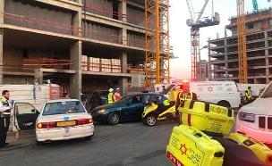 """פתח תקווה: פועל נהרג באתר בנייה (צילום: שירות מבצעי מד""""א, חדשות)"""